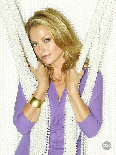 "Interview: Becki Newton of ""Ugly Betty"""