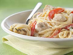 Fast & Easy DInner: Chicken Alfredo Pesto Pasta