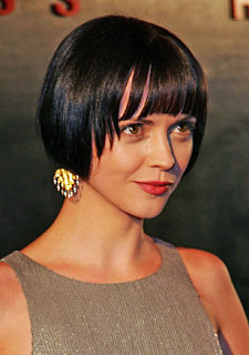 Love It or Hate It? Christina Ricci's Short Bob