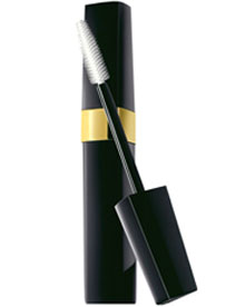 Chanel's New Mascara: Inimitable