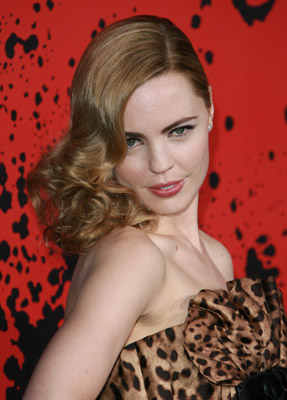 Love It or Hate It? Melissa George Goes Glam