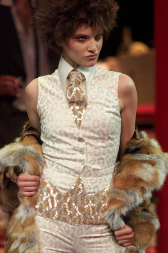 Runway Flashback! Alexander McQueen for Givenchy 2000 Fall/Winter Haute Couture