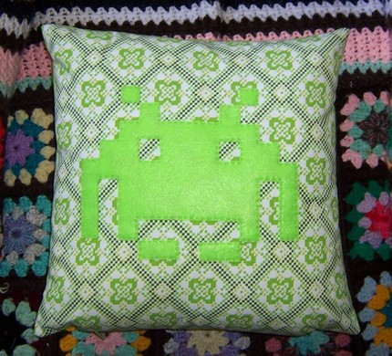 Space Invaders Pillow: Totally Geeky or Geek Chic?