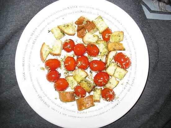 Garlicky cherry tomato and bread gratin