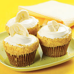 Better Than Banana Cream Pie Cupcake
