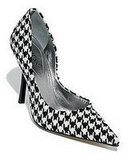 Rate it! GUESS &quot;Carrie&quot; Pumps