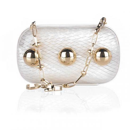 Always in Style: A Cute Clutch