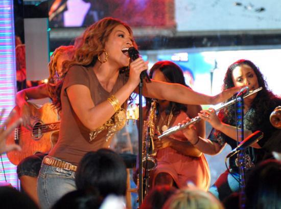 Beyonce_Mazur_11311726_600
