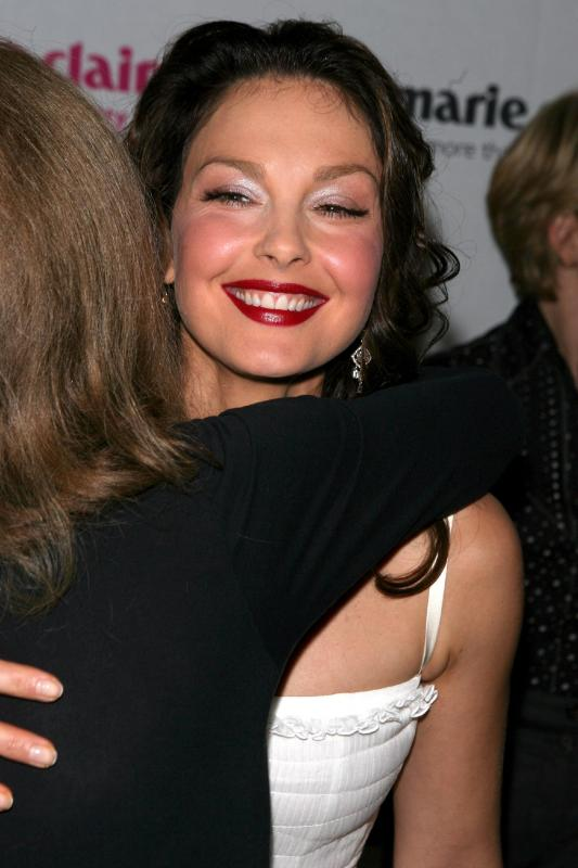 ashley_judd_12_wenn965338