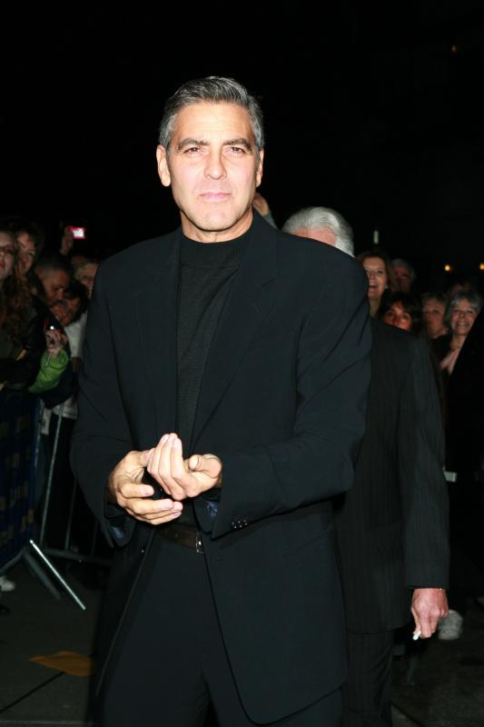 george_clooney_061128_08